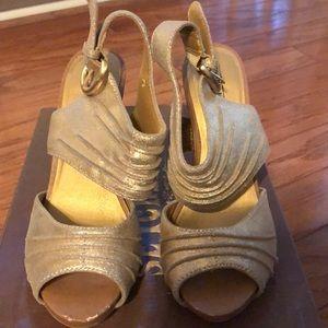 Gold Seychelles Heels ✨